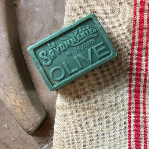 Savon exfoliant olive - Cerise Noire
